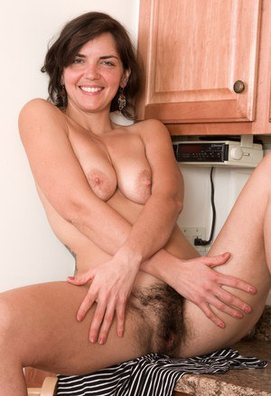 Housewife Hairy Pussy