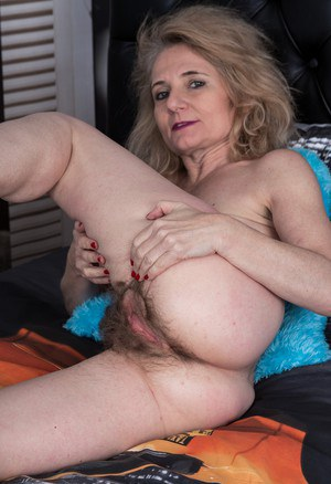 pussie mature hairy