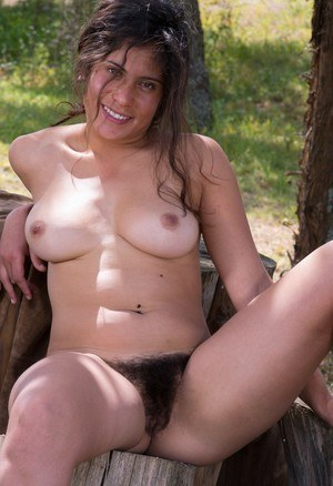 Outdoor Hairy Pussy