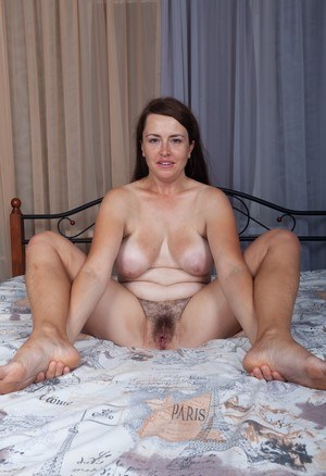 Hairy Pussy Spread
